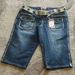 NWT NOBO JR'S 11 denim Capri Shorts